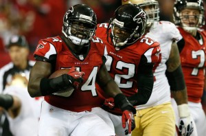Releasing Stephen Nicholas and Asante Samuel gives the Falcons even more cap flexibility.  (Kevin C. Cox)